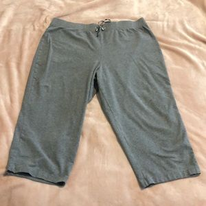 Croft & Barrow gray Capri pants